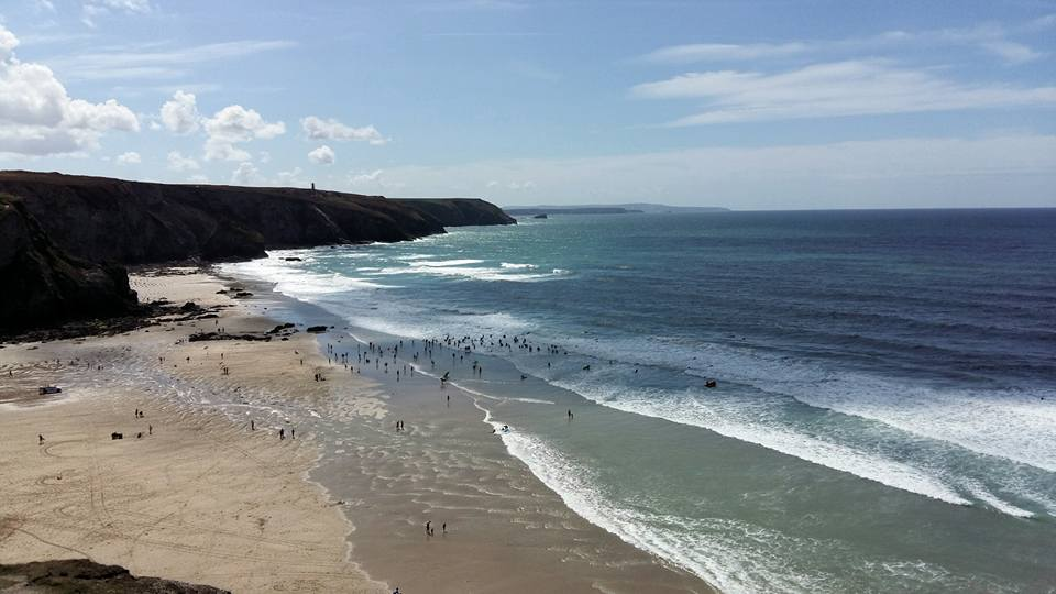 porthtowan-beach-surfers-cornwall